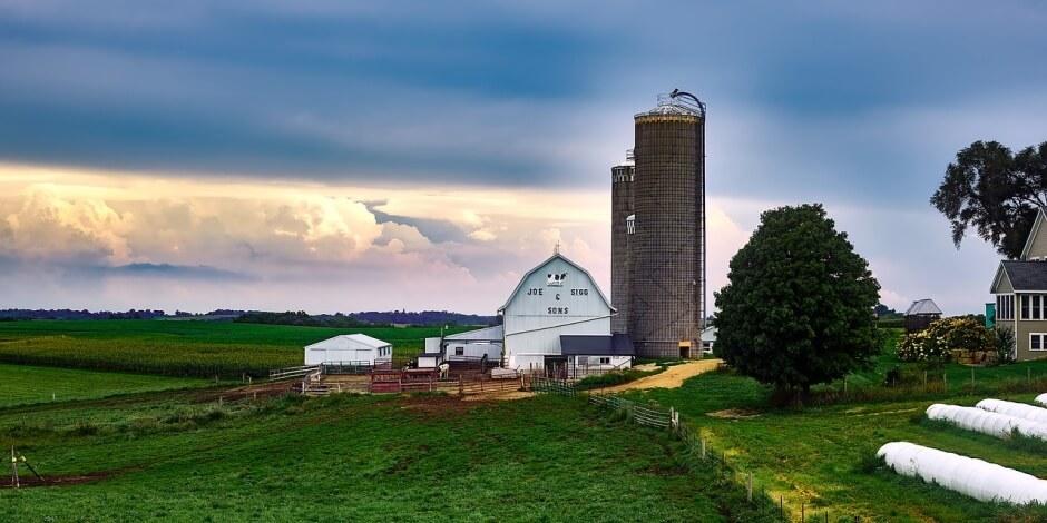 farmbuilding